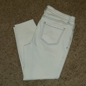 Lauren Conrad off- white Skinny Crop Size 10